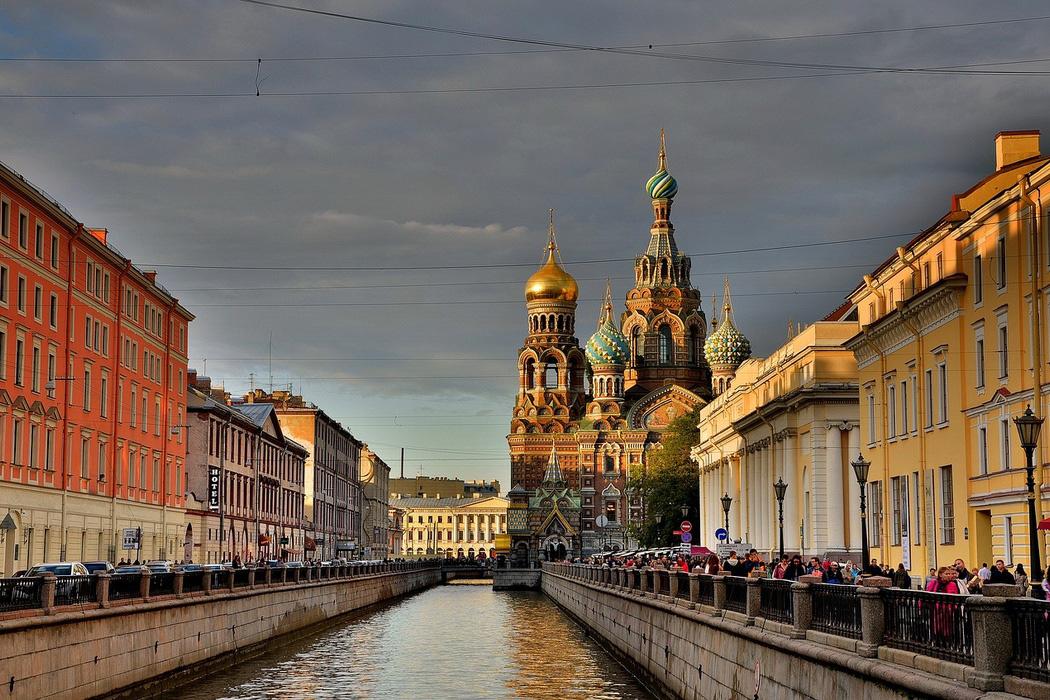 About Saint-PetersburgОписание изображения